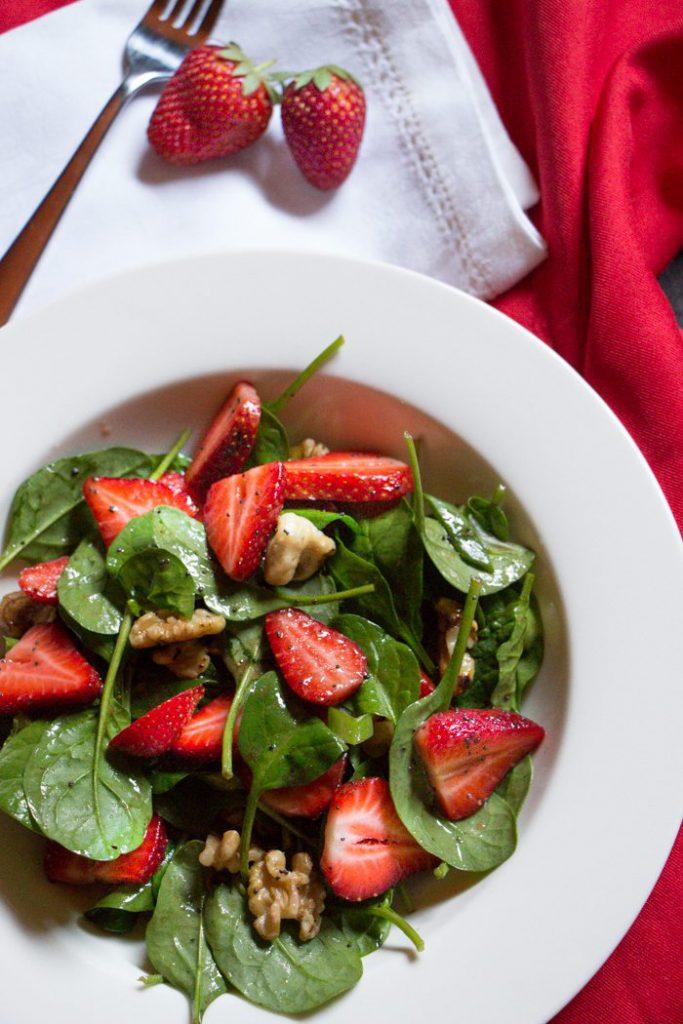 Strawberry, Spinach and Walnut Salad