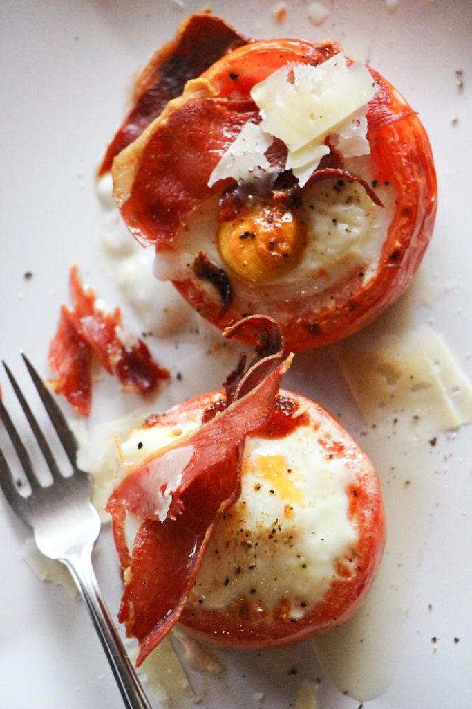 Tomatoes with Baked Eggs and Crispy Prosciutto